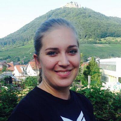 Larissa Lonsinger